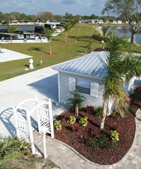 Beautiful surrounding in RV resort in Fort Myers