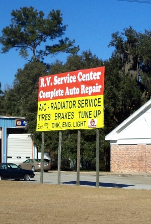 Dealing With RV Repair Services While Traveling