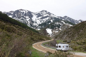 4 Season RVs Mean Protection from Cold, Heat